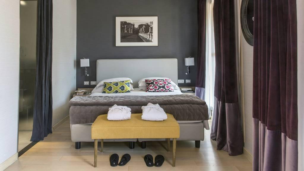 hotel-adriano-roma-camera-deluxe-con-terrazzo-02