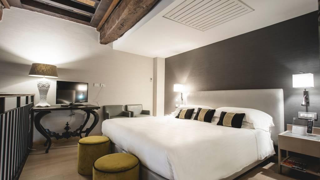 hotel-adriano-roma-junior-suite-02
