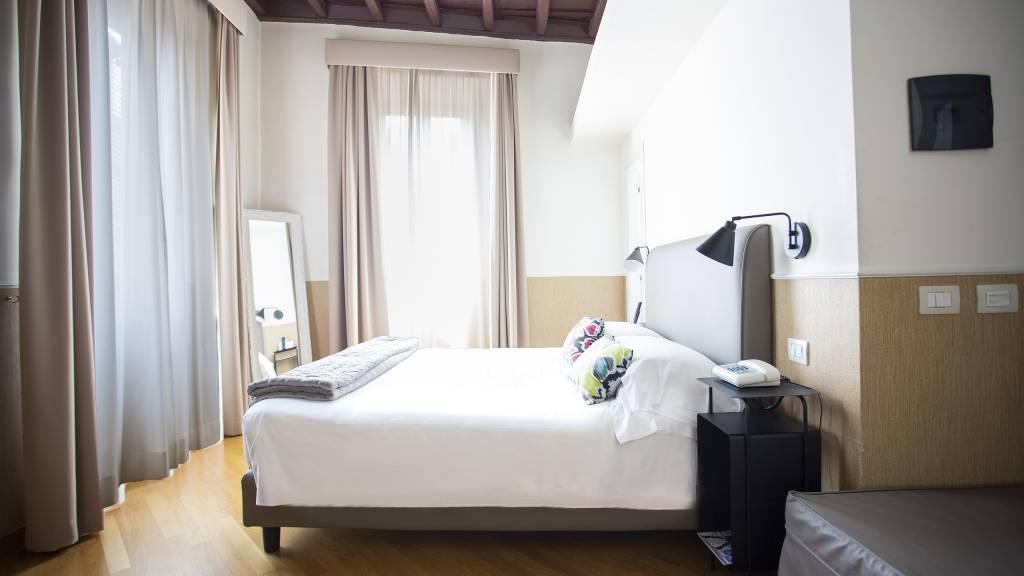 z-01A4625-hotel-adriano-roma-camera-Tripla-classic