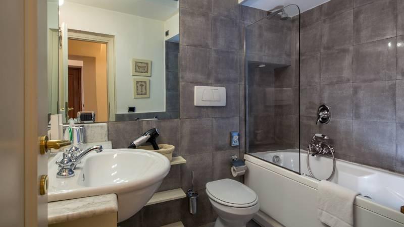 hotel-adriano-roma-appartamento-bagno-IMG-8666